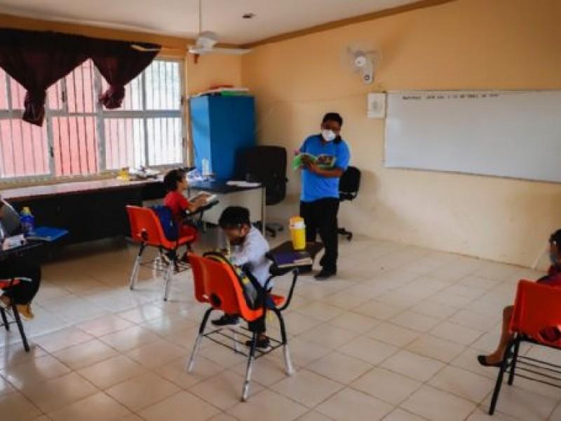 Rechazan padres regreso a las aulas sin condiciones: