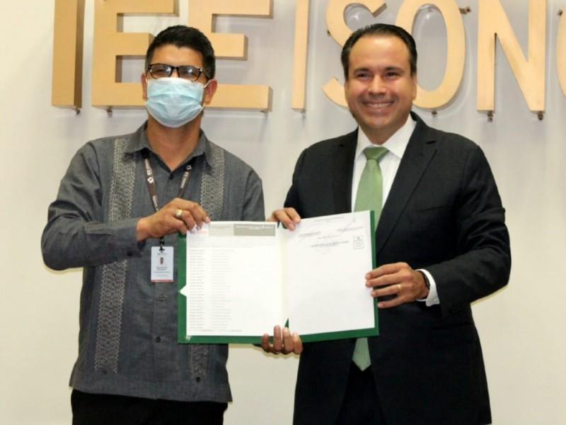 Recibe Astiazarán contancia de alcalde electo de Hermosillo