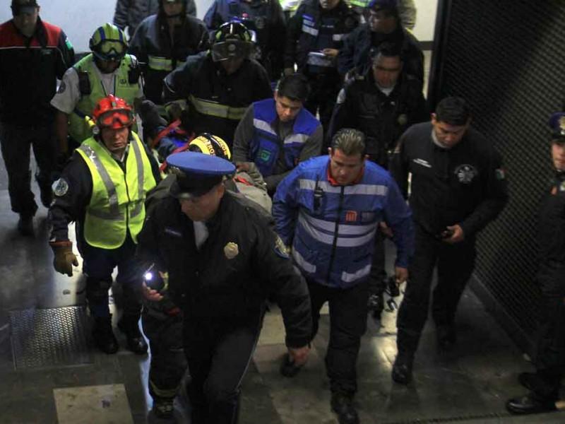Recibe balazo y lo atienden en el Metro