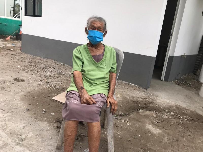 Recibe cuarto doña Leonor de 81 años en Veracruz