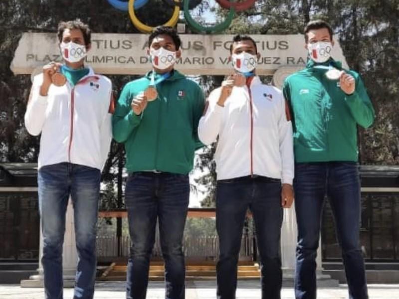Recibe Miguel Carballo la medalla de los juegos panamericanos
