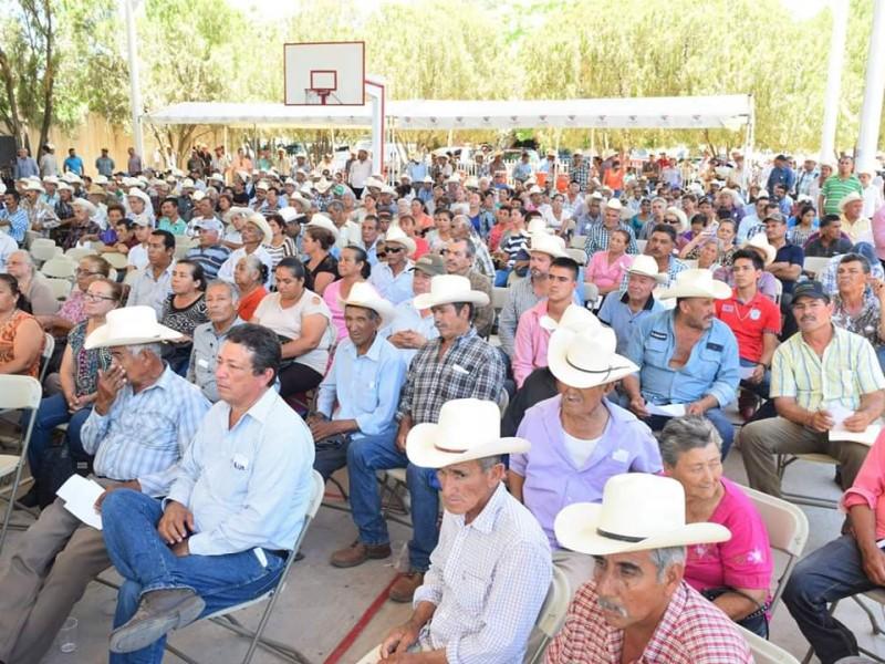 Reciben apoyo ganaderos afectados por la dpt-19e