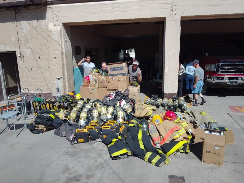 Reciben Bomberos de Empalme donación de equipo