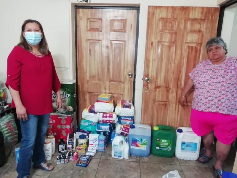 Reciben donativos de Juan Valentín en el Ranchos del Niño