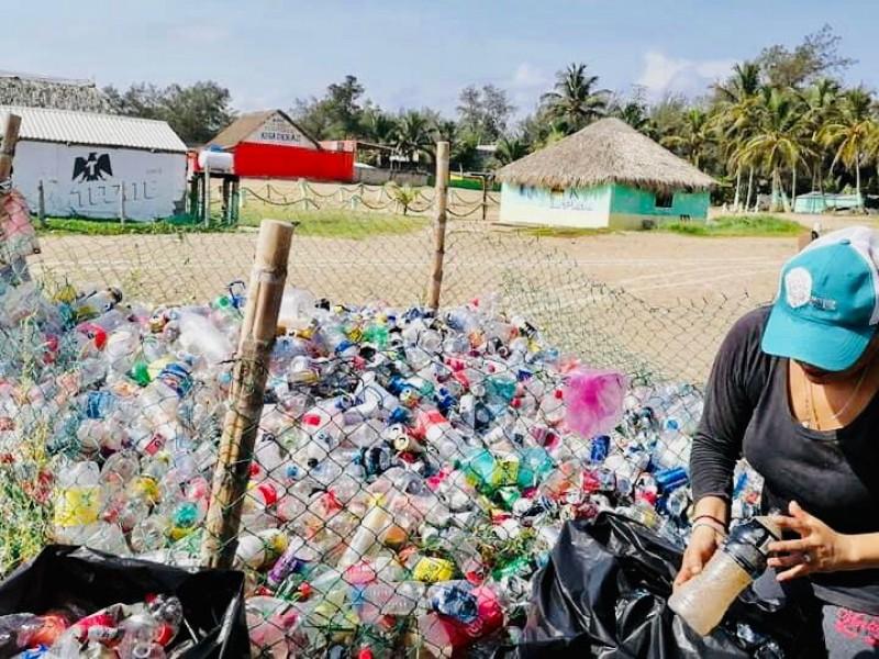 Reciclan para apoyar causas de rescate animal