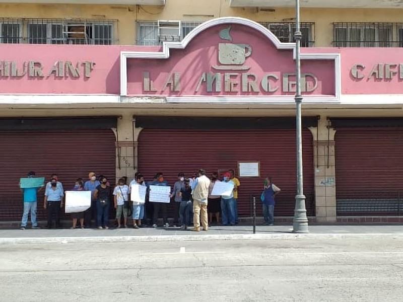 Reclaman pagos trabajadores del Café de la Merced