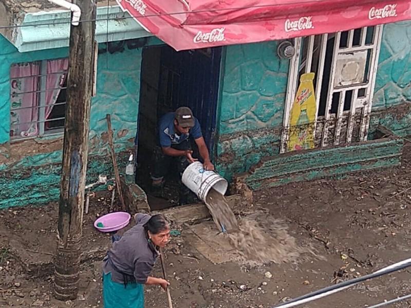 Reclaman vecinos de Miramar ausencia de autoridad tras nuevas inundaciones