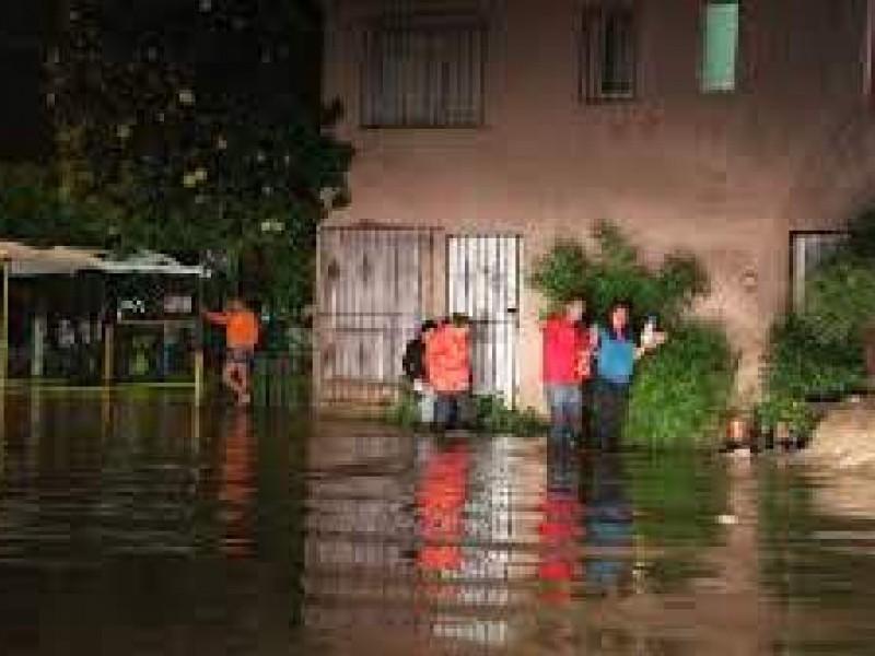 Recomiendan a autoridades escolares tomar medidas por lluvias