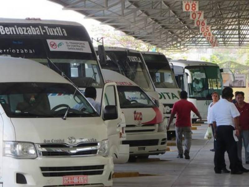 Recomiendan a transportistas evitar abordar a extranjeros