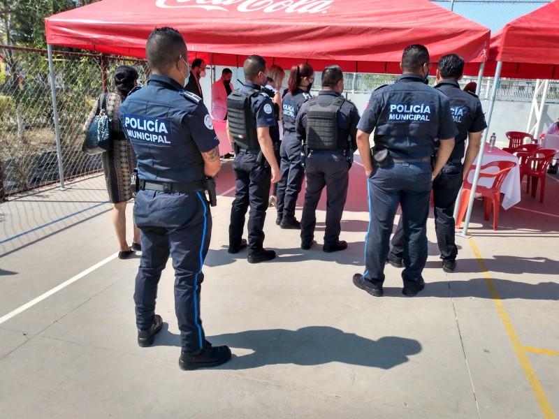 Reconocen labor de policías en Villa de las Flores