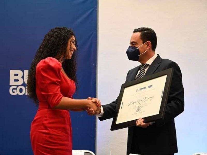 Reconocen trayectoria de la Mezzo Soprano zamorana Zayra Ruiz