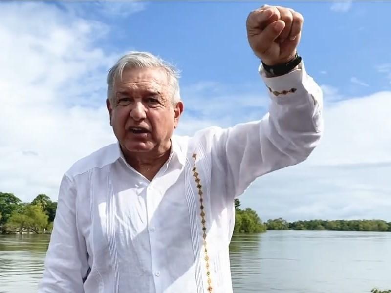 Recorre AMLO zona afectada de Tabasco por lluvias