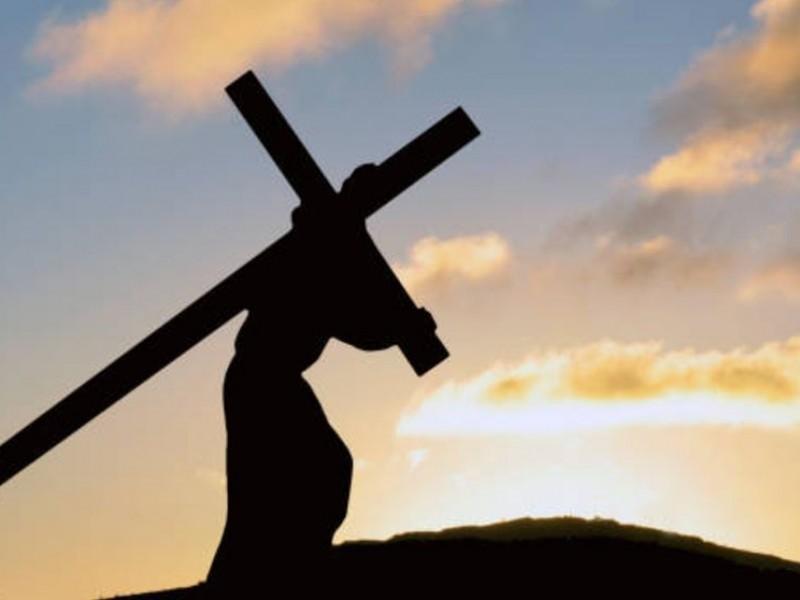 Recuerdan cristianos la pasión de Jesús este viernes santo