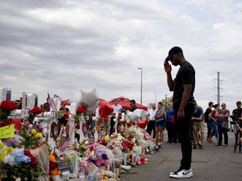 Recuerdo a víctimas de masacre de El Paso, Texas