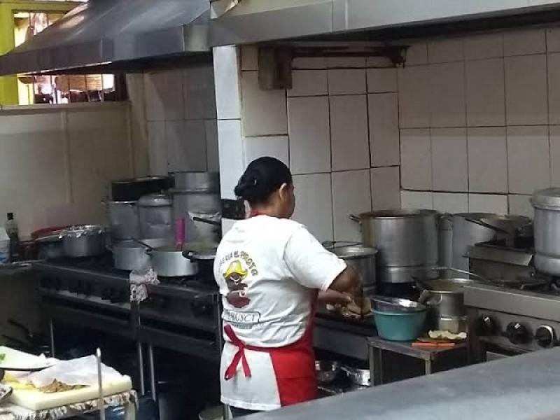 Recuperación de empleos en sector gastronómico avanza lentamente