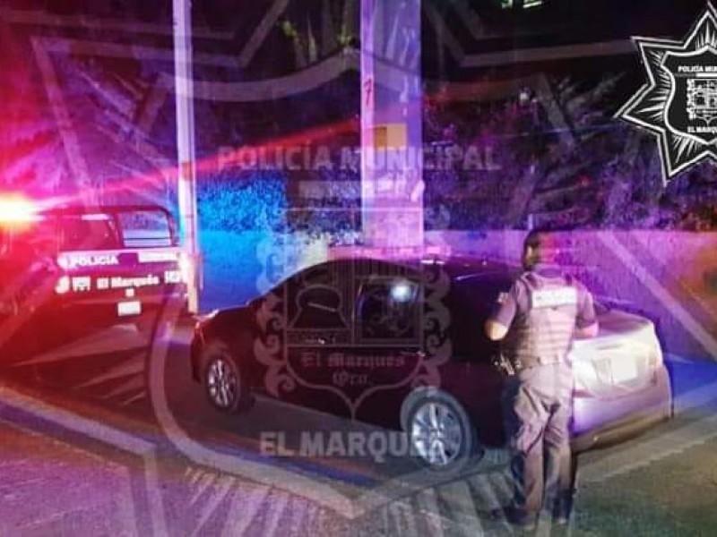 Recuperan vehículo robado en El Marqués