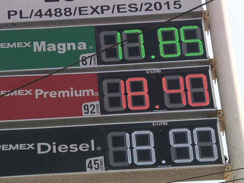 Reduce el costo de gasolina a 17 pesos el litro