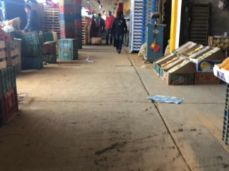 Reducen actividades en Central de Abastos por decreto estatal