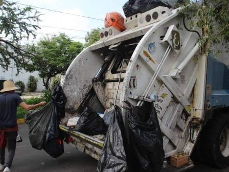Reestructuran horarios de recolección de basura en centro de Jacona