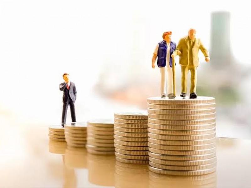Reforma de pensiones sería mejor con desaparición de Afores: expertos