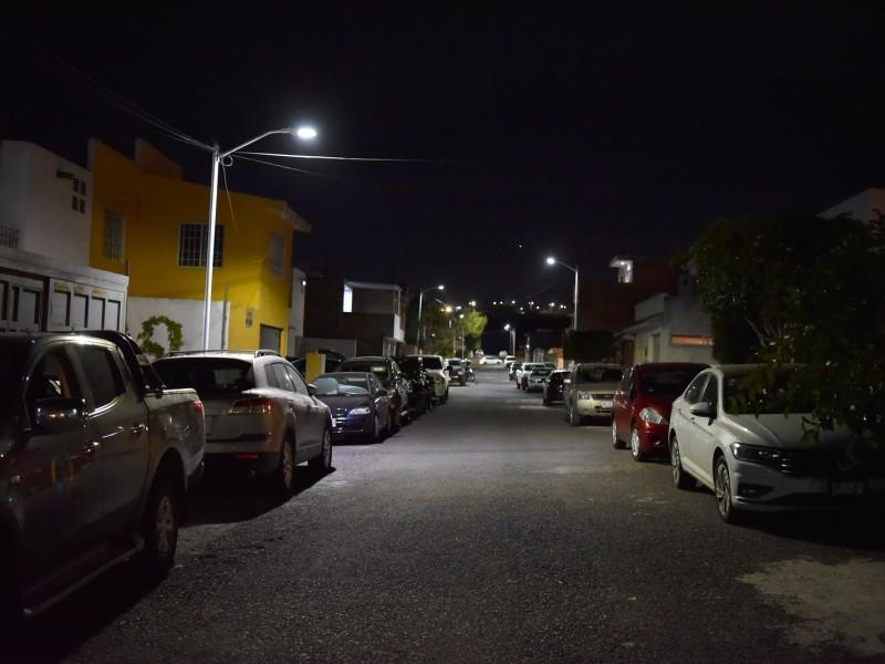 Refuerzan alumbrado en Bulevares del Cimatario