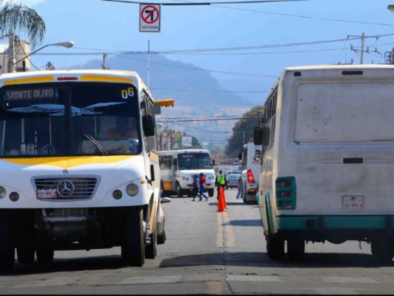 Refuerzan medidas de higiene en transporte público