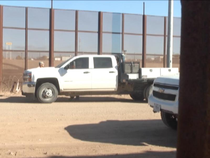 Refuerzan muro fronterizo