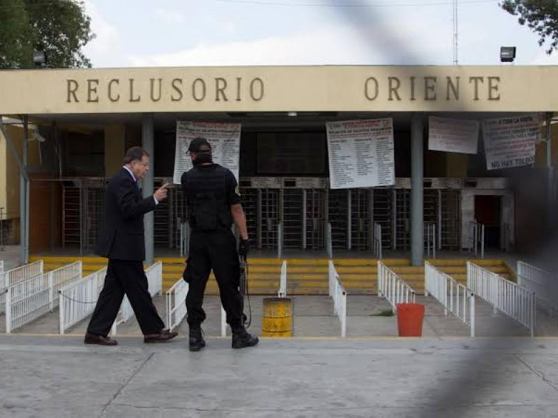Refuerzan revisiones para retirar celulares en penales capitalinos