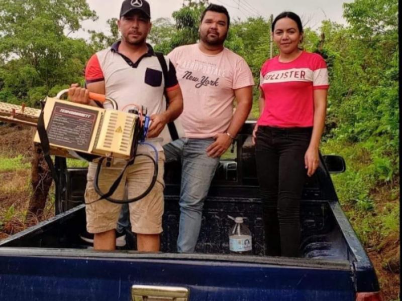 Regidora apoya con nebulizaciones en Santiago Ixcuintla