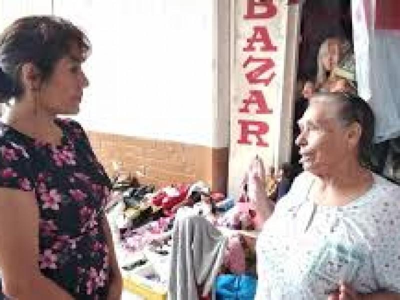Regidora atiende necesidades Ciudadanas
