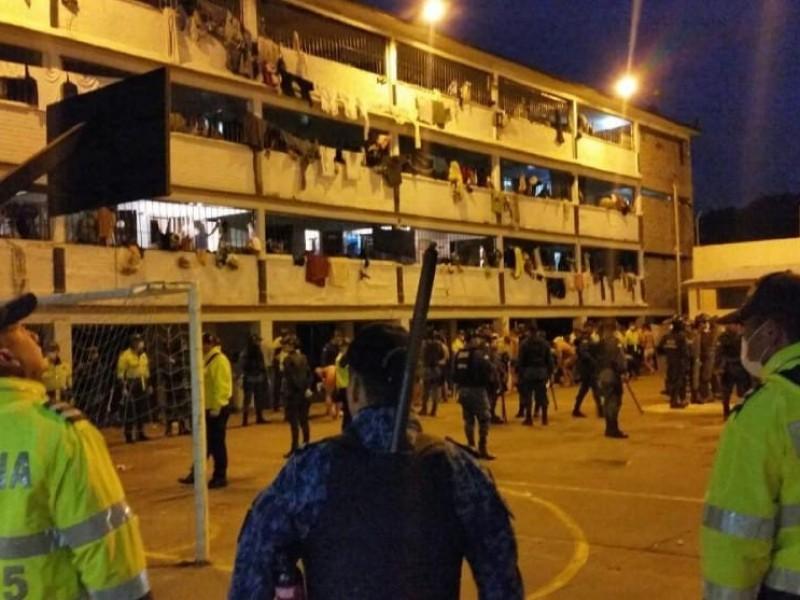 Se registran motines en al menos 10 prisiones de Colombia