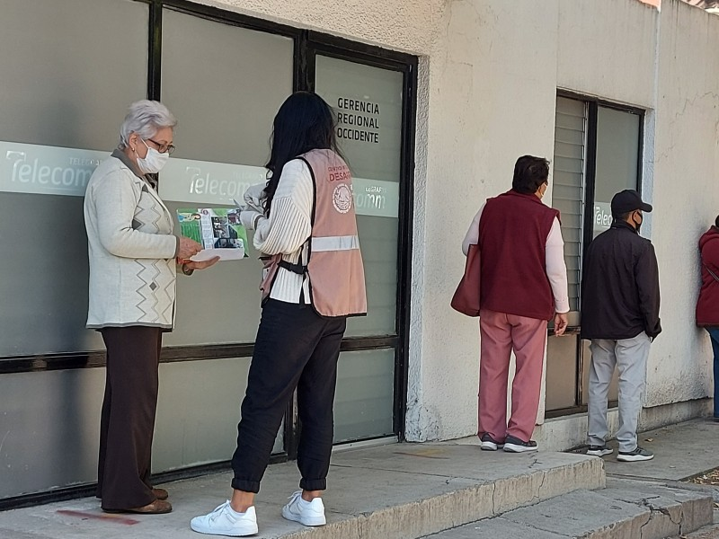 Registran Servidores de la Nación a adultos mayores para vacunación