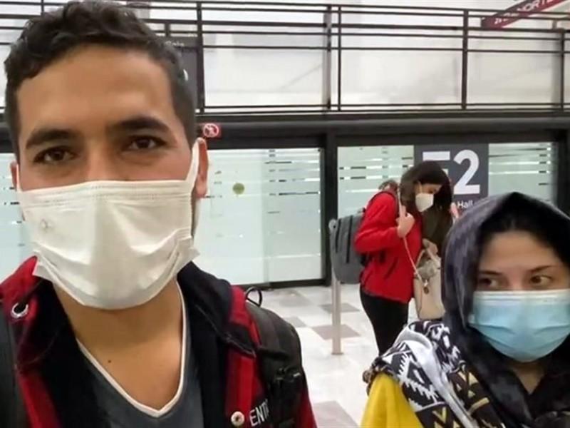 Regresa a México pareja afgana que fue deportada