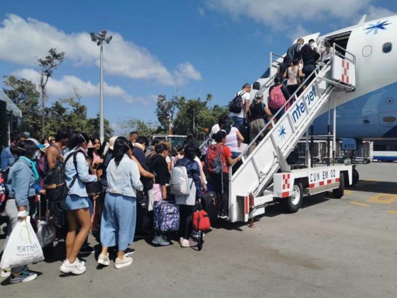 Regresa a México primer grupo de connacionales varados en Perú