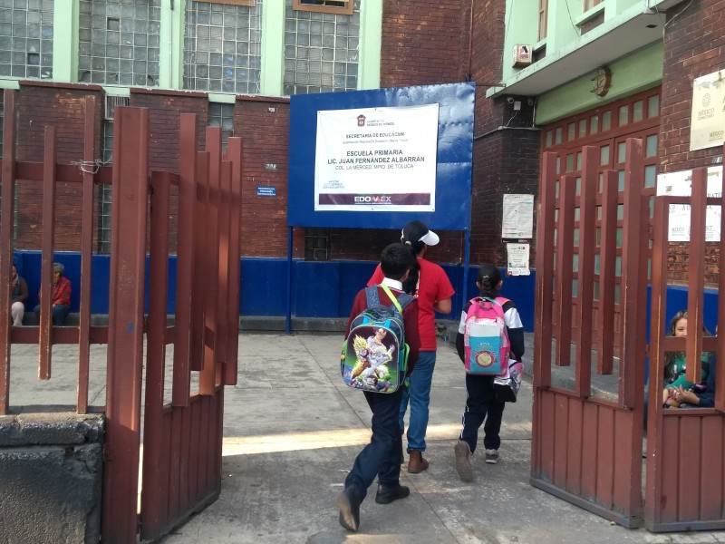 Regresan a clases en EDOMEX tras contingencia ambiental