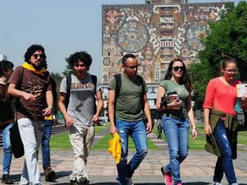 Regresan  a clases estudiantes de la UNAM