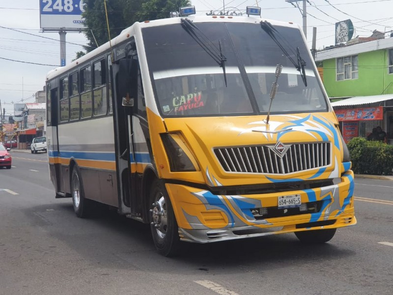 Regreso a clases pone en jaque transporte público; denuncian deficiencias