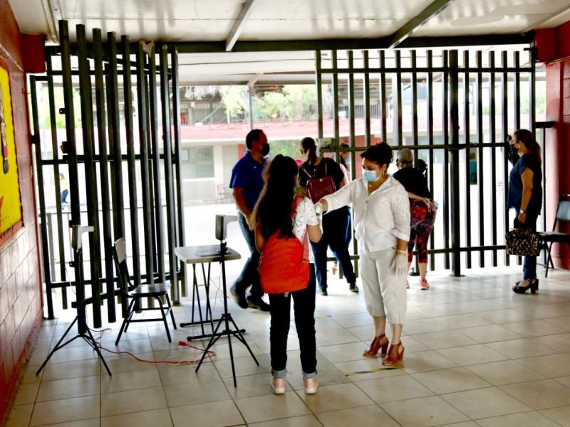 Regreso ordenado y voluntario de estudiantes de mil 834 escuelas