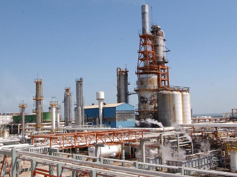 Rehabilitación de refinerías tardaría siete meses
