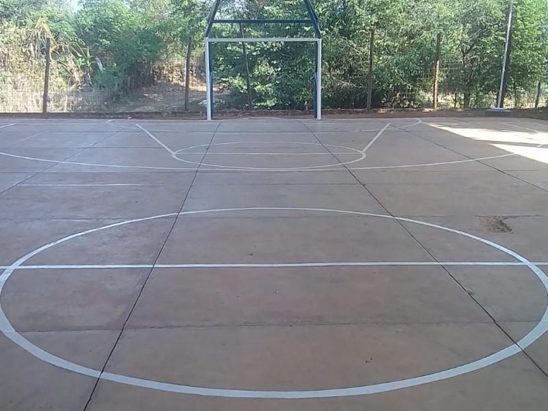 Rehabilitan espacios deportivos en Jalpan