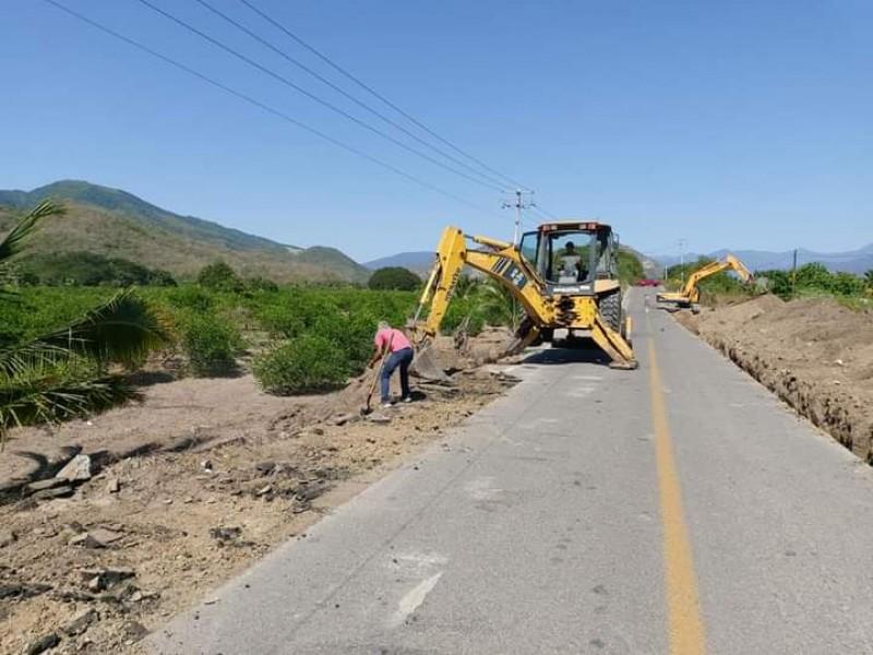 Rehabilitan puente ubicado en carretera Armería-Coalatilla