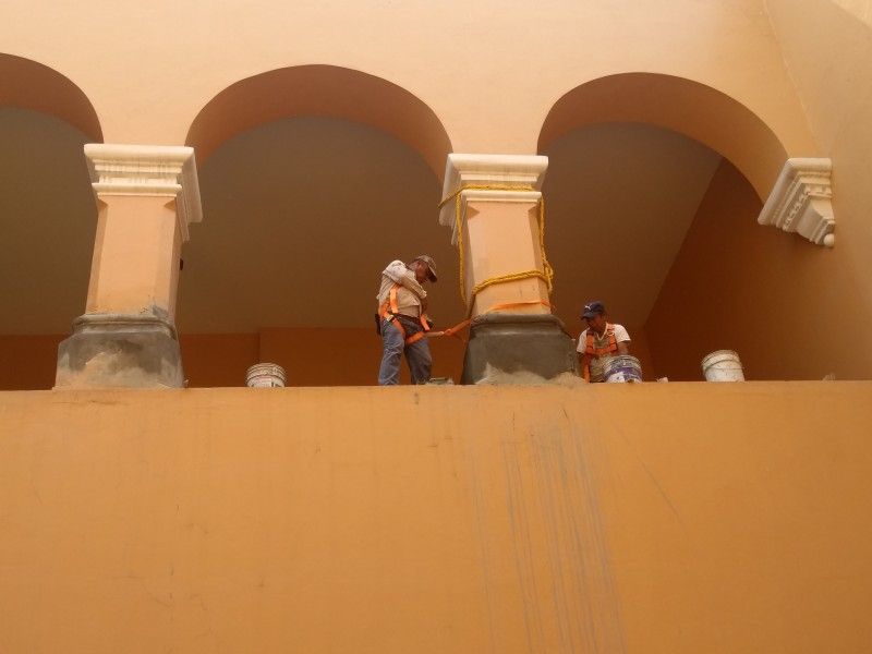 Rehabilitar fachada interna del palacio municipal