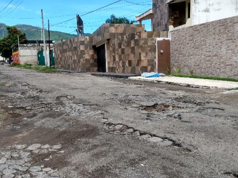 Rehabilitarán calle saturno en Xalisco