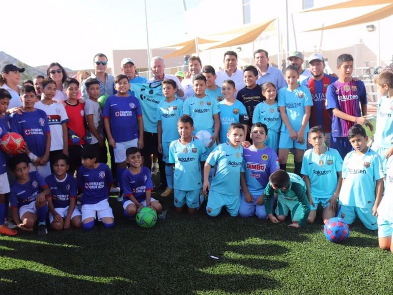 Reinauguran cancha de futbol en la Jabonera