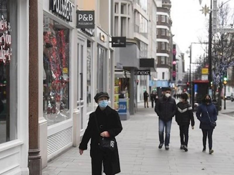 Reino Unido cierra escuelas y cancela exámenes por la pandemia
