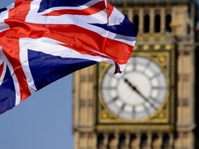 Reino Unido detecta 11 mil casos Covid-19 en un día