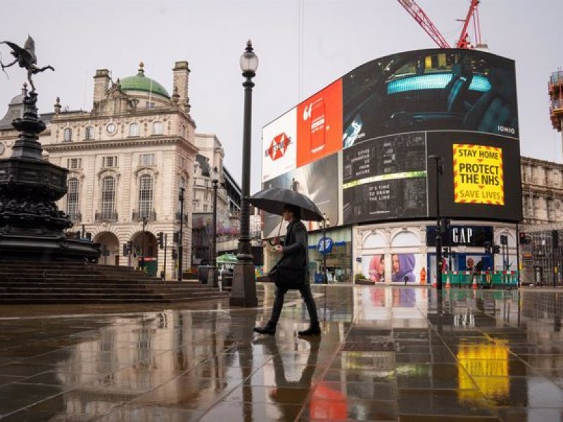 Reino Unido presenta plan de apertura económica