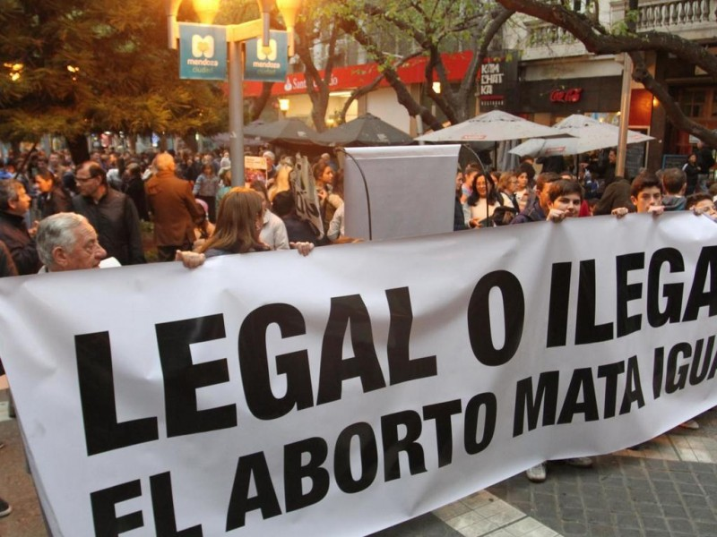 Reitera iglesia su rechazo al aborto en Argentina