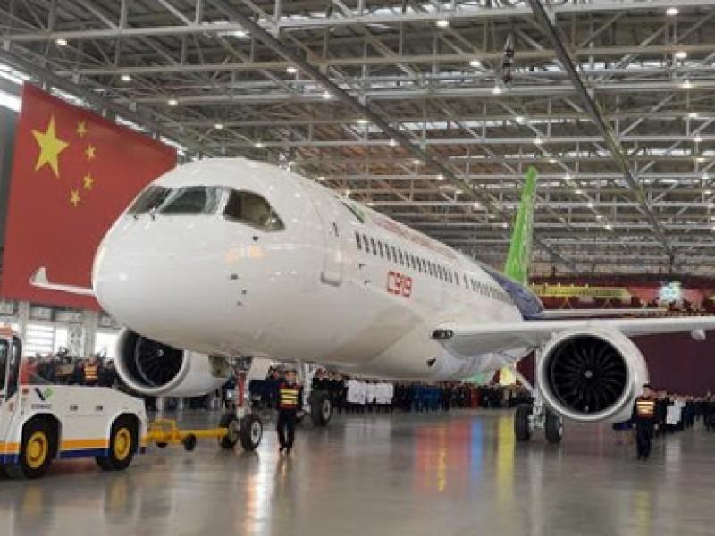 Relaja China restricciones para vuelos al extranjero
