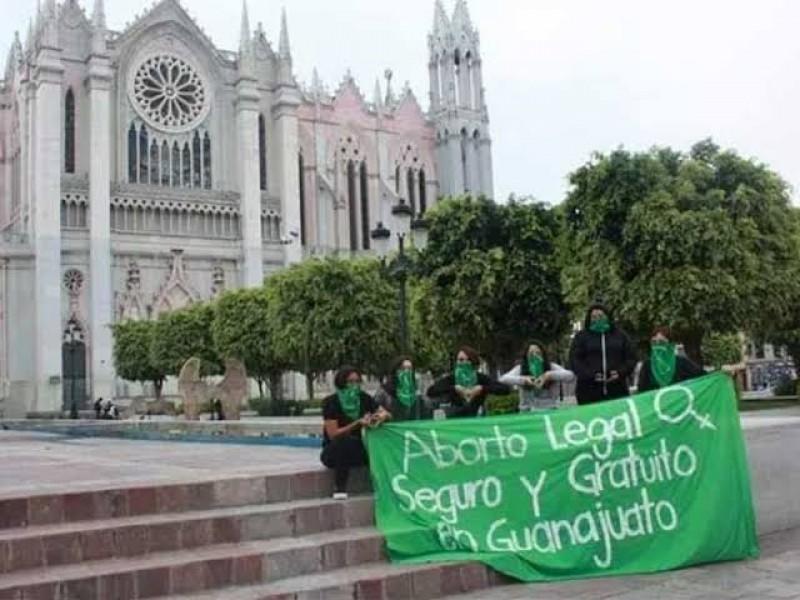 Religión e ideología conservadora; rechazan legalización del aborto en Guanajuato